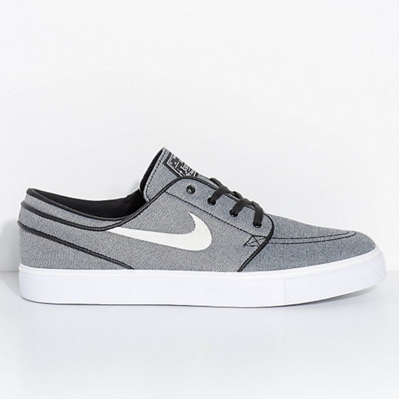 862877d004f0 Nike SB Janoski Black Sail   White Canvas Shoes. M 5be34ab2035cf1d076d19874